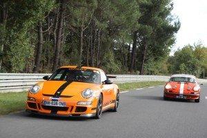La comparaison entre le première et la dernière Porsches 911